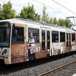 """U-Bahn Richtung Nieder-Eschbach im """"The Marvelous Eight"""" Theme an der Haltestelle"""