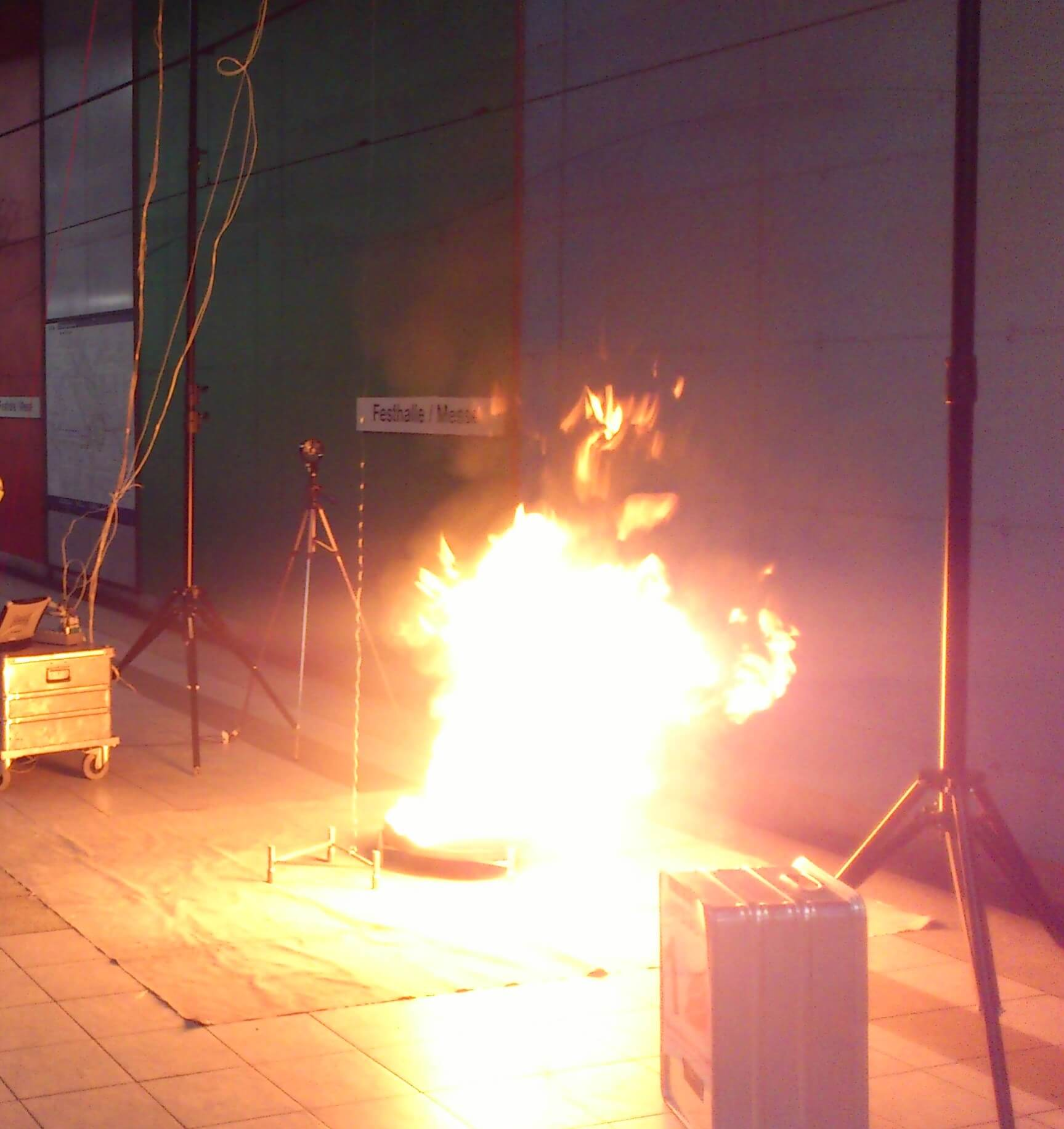 Brandversuch Station Festhalle / Messe