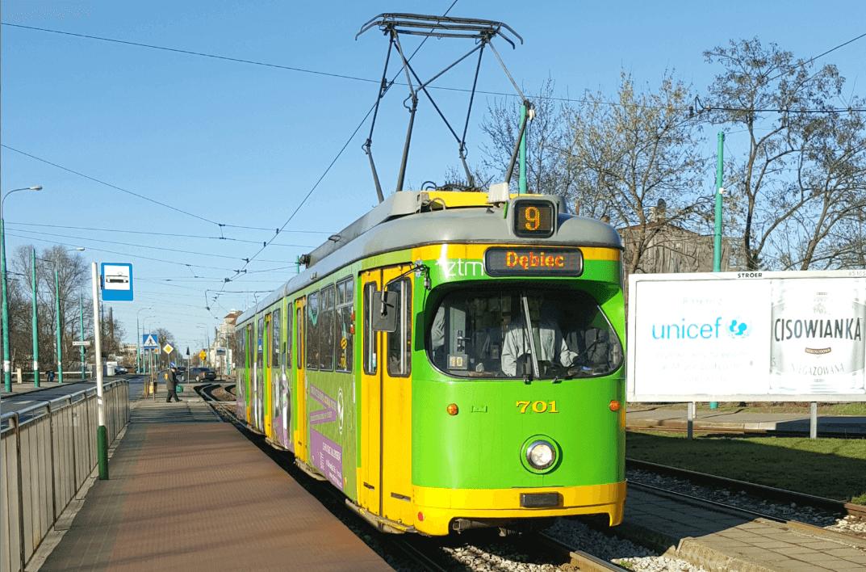 """Von der Straßenbahn Düsseldorf wurden zwischen 1995 und 2005 knapp 60 sogenannter """"Düwag-Einheitswagen"""" an Posen verkauft."""