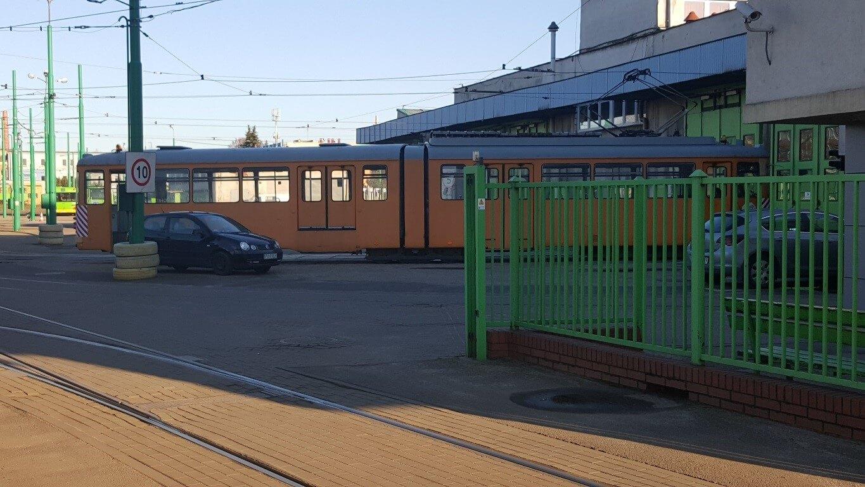 """Ein weiterer """"Rentner"""" aus Frankfurt: Einer der beiden M-Wagen als Arbeitswagen im Betriebshof."""