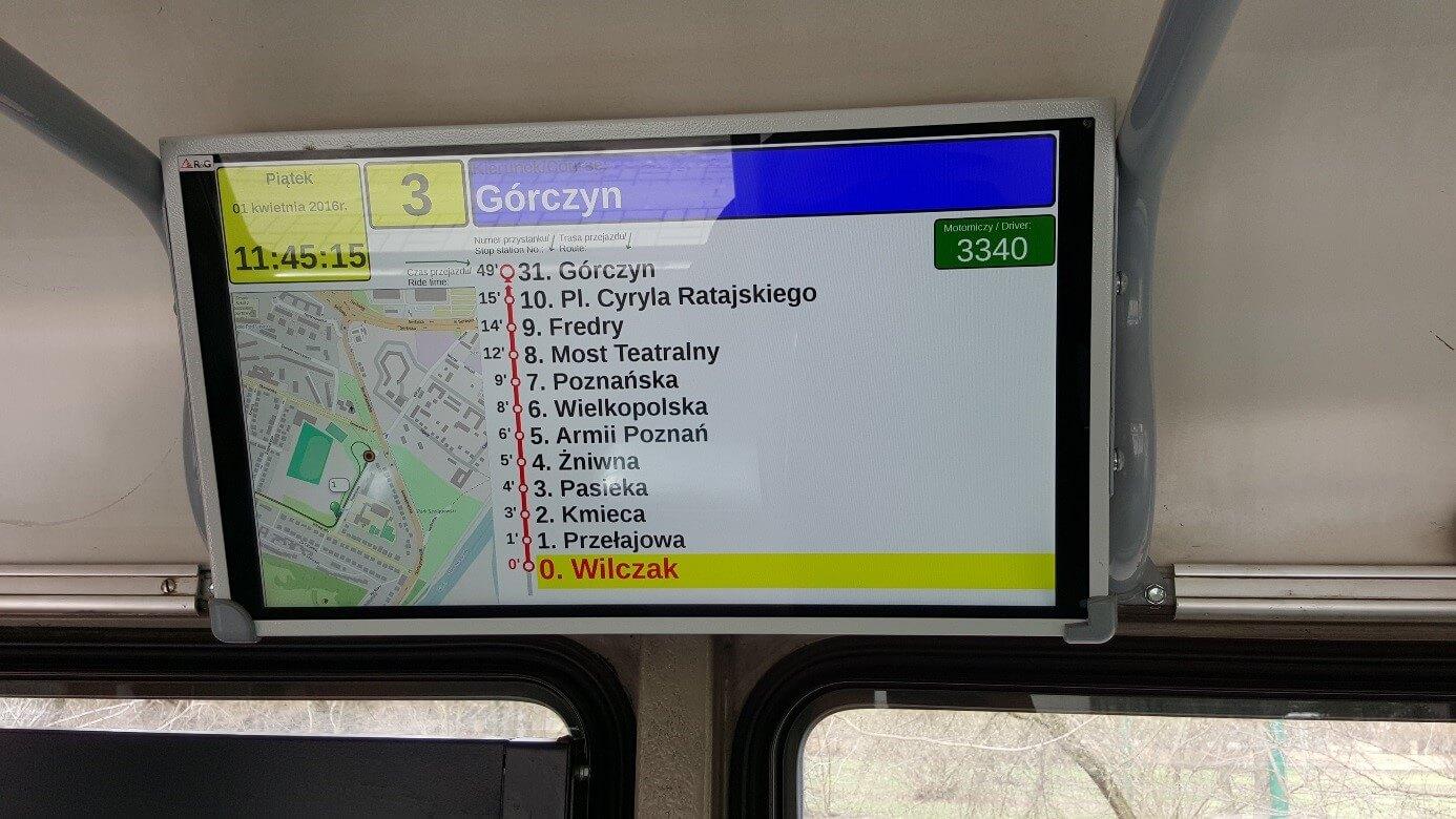 Wie auch in unseren modernen Fahrzeugen, haben die O-Wagen digitale Anzeigen und Bildschirme für die verbesserte Fahrgastinformation erhalten.