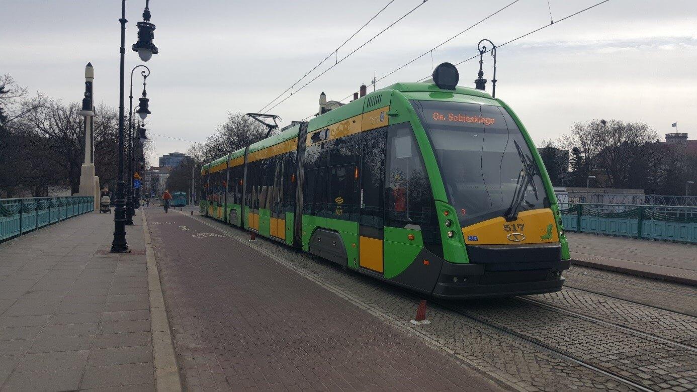"""Die fünfteiligen, 32 Meter langen """"Solaris Tramino"""" sind die neuesten Fahrzeuge in der Posener Flotte."""
