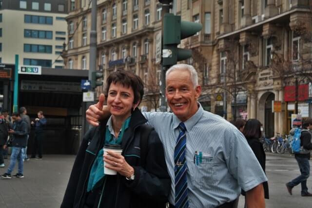 Der Bahnbabo und sein Frau in der Stadt
