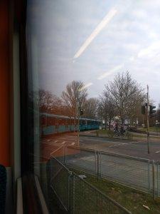 Blick aus der Bahn U7 am Industriehof