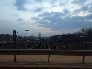Blick aus dem Fenster aus der Bahn Richtung Fechenheim
