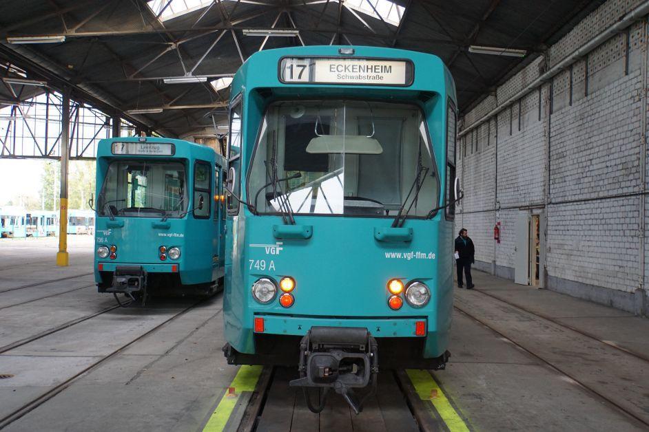Straßenbahnen von vorne im alten Betriebshof Eckenheim